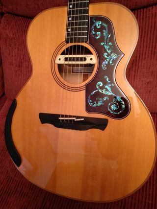Guitarra Acústica Alhambra Jumbo J-4 A B