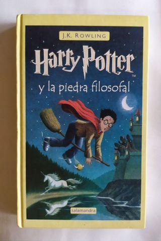 Libro Harry Potter y la piedra filosofal.