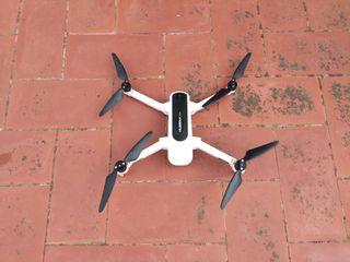 Dron semi profesional Hubsan Zino 4K