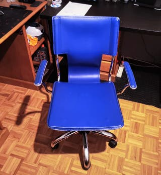 Silla de Escritorio azul. Estructura de metal