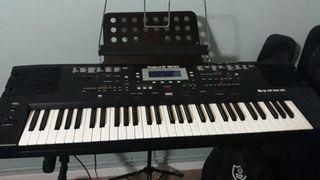 Roland E300