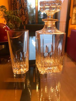 Botella cristal y 6 vasos