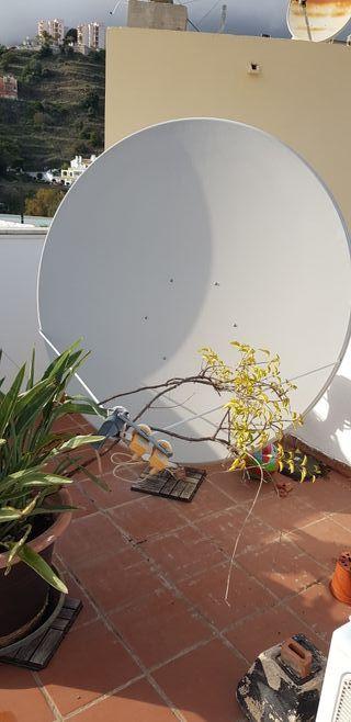 Antena parabólica de 150 centímetros