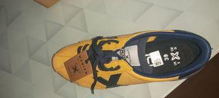 Zapatillas Munich de segunda mano por 45 € en Badajoz en