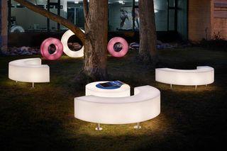 Mobiliario con luz en polietileno