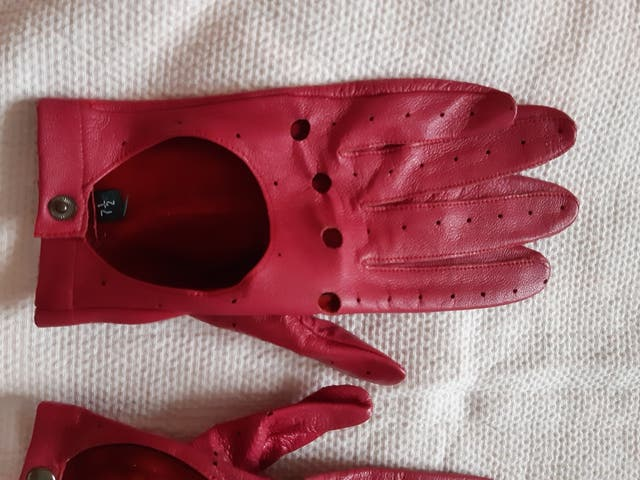 Los guantes de piel