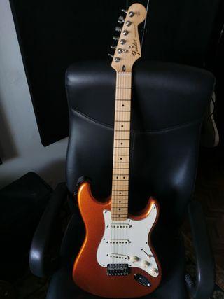 Guitarra Fender Stratocaster Classic Series
