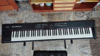 Piano de escenario Roland RD300
