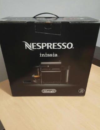 Cafetera nespresso Inissia negra - NUEVA