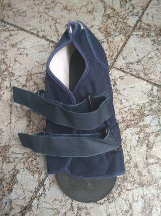 Zapato ortopédico juanete