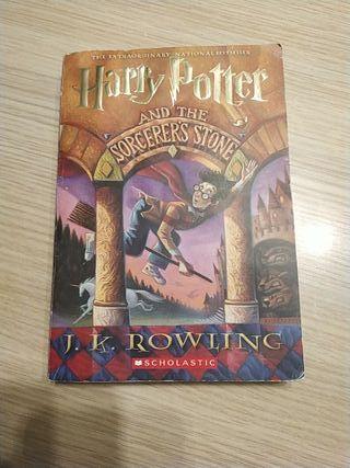 Harry Potter y la piedra filosofal en inglés