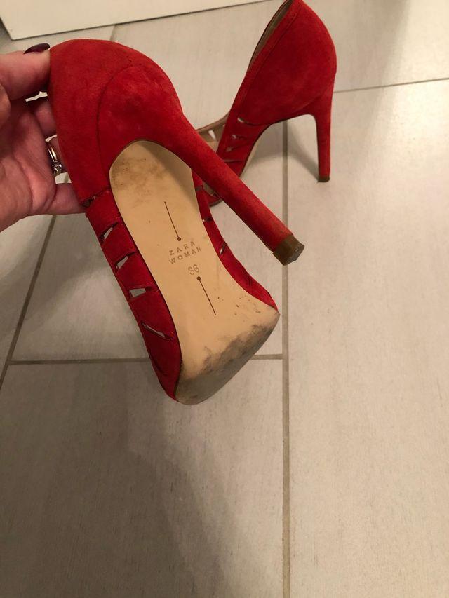 Tacones rojos Zara