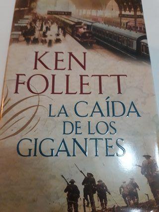 """Libro """"La caida de los gigantes"""""""