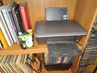 Impresora y Escáner HP + Tinta Negra/Color