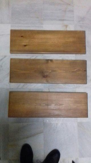 Baldas de madera.