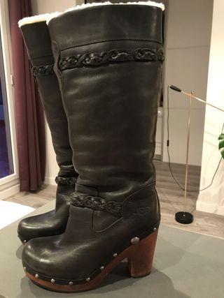 Botas negras altas UGG