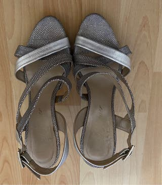 Sandalias de ceremonia.