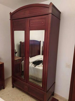 Dormitorio modernista de caoba. 1890.
