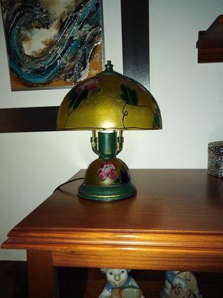 lámpara sobremesa estilo Tiffany