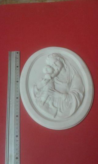 Virgen Madonna. Alabastro