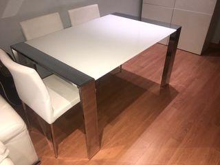 Mesa comedor blanca de cristal