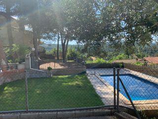 Casa con terreno llano y piscina! Ref.622