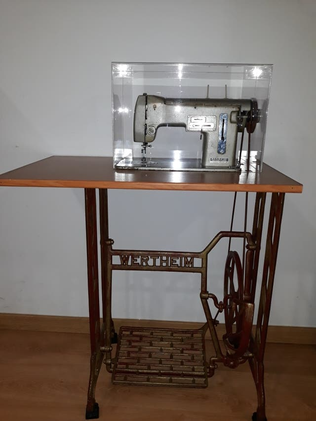 Máquina de coser Wertheim de segunda mano por 600 € en