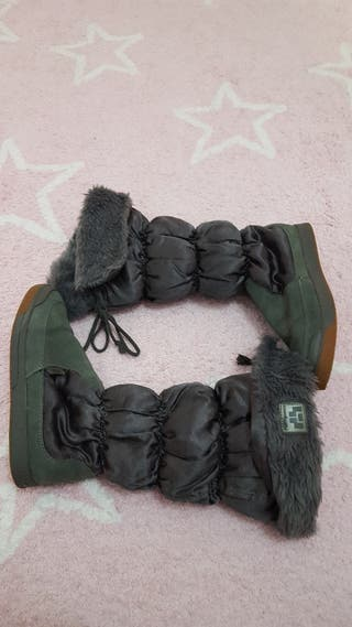 botas pelo gris