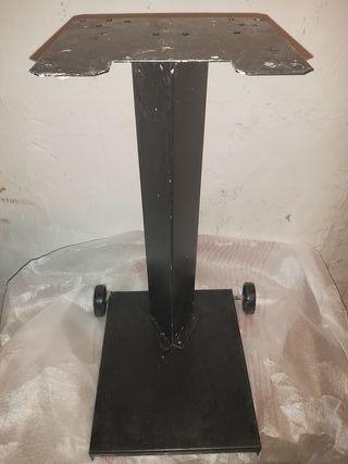 soporte máquina expendedora pie