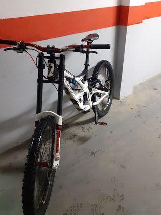 bicicleta de descenso specialized demo 8