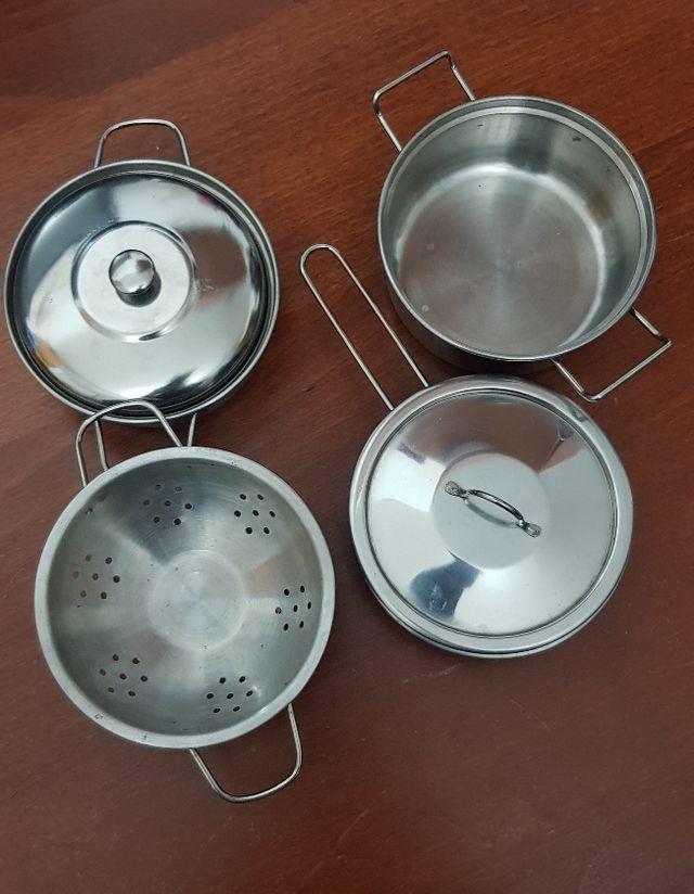 Bateria de cocina para niños.