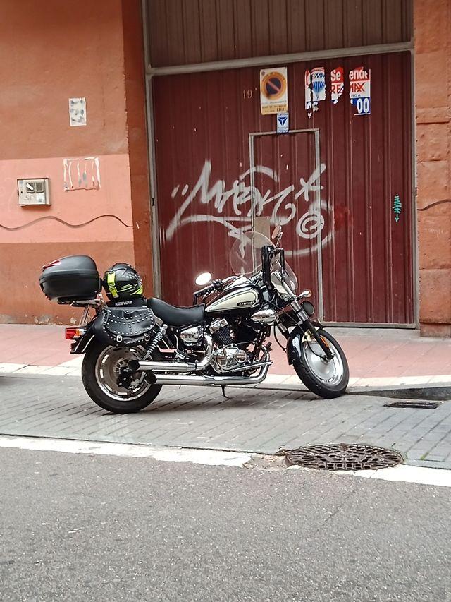 moto Keeway custom 250 cc