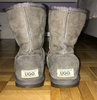Botas UGG color gris