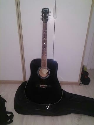 Guitarra electroacústica negra.