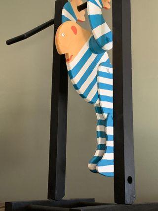 Marioneta de madera articulada
