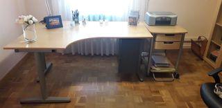 Mesa despacho junto con mesa auxiliar