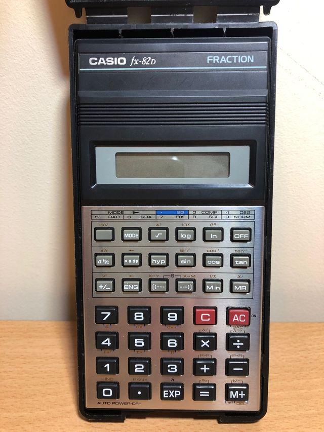 Calculadora científica Casio fx-82D