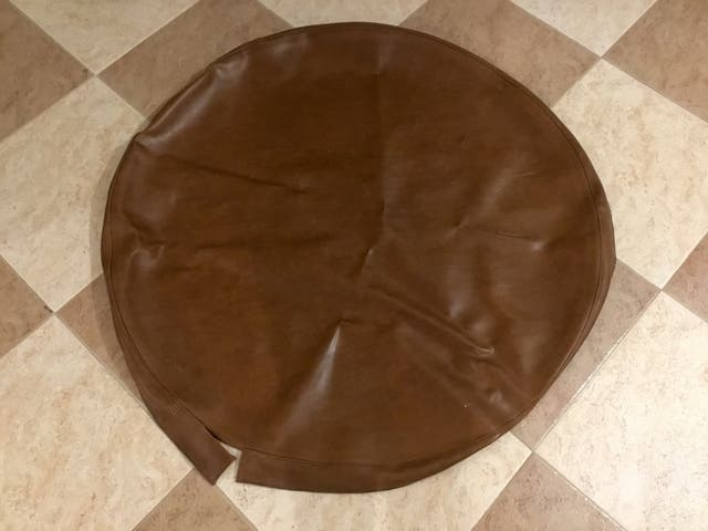 Funda para mesa redonda en cuero, como nueva