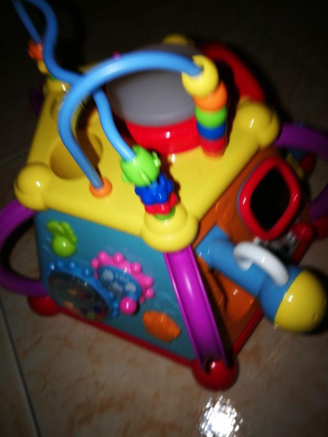 Juguete multiactividades musical bebé