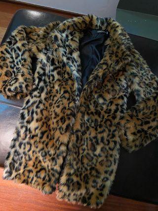 Abrigo con estampado de leopardo (Nuevo) - Talla S