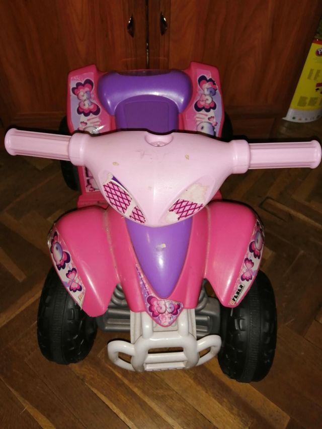 se vende carrito a batería para niña