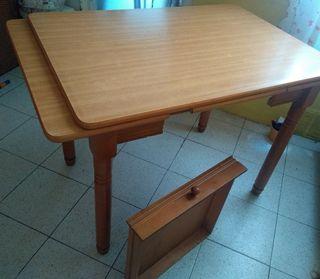 Mesa de Cocina de segunda mano en León en WALLAPOP