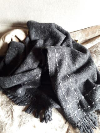 Bufanda/mantón negro