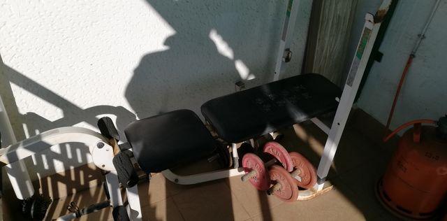 banco de musculacion y pesas