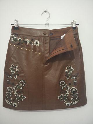 Falda marrón