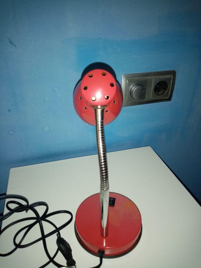 Lámpara de mesa. Flexo.