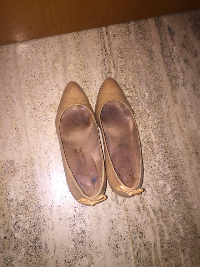 Zapato salón color beig número 37 de piel