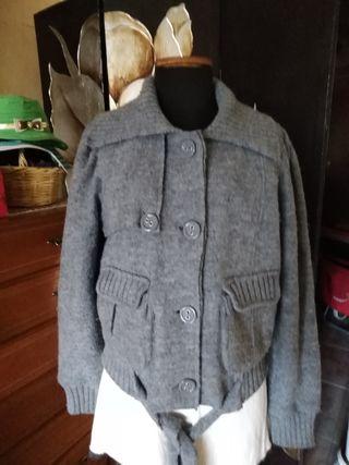 chaqueta de lana moderna