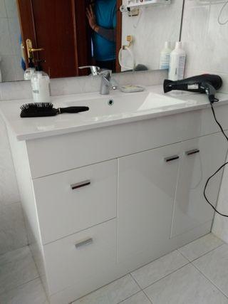 Mueble lavabo de baño (griferia incluida)