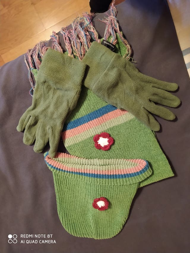 Conjunto gorro y guantes niña